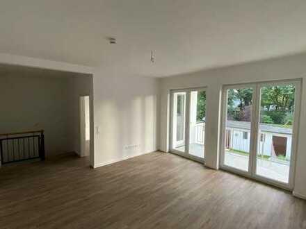 Große 4-Zi. EG+Souterrain Wohnung mit Balkon in Duisburg