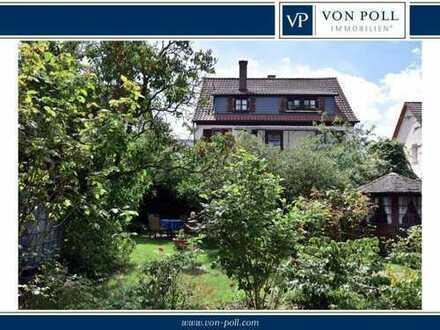 Charmantes Haus mit eingewachsenem Garten