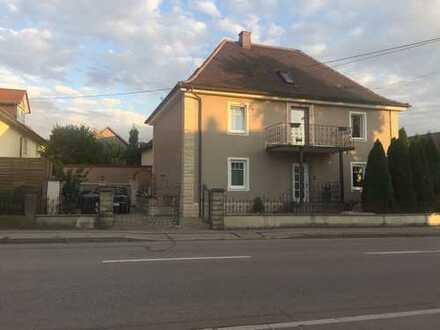 Villa / Mehrfamilienhaus in Hintenfingen