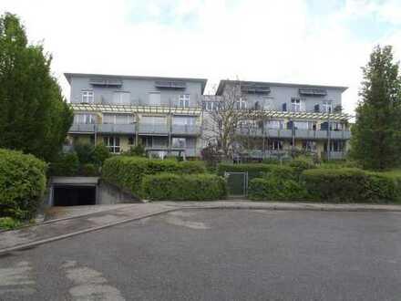 Schöne helle drei Zimmer Wohnung in Münchingen am Ortsrand