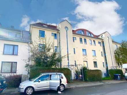 Moderne Etagenwohnung mit Sonnenbalkon und offener Küche nahe Pappelstraße