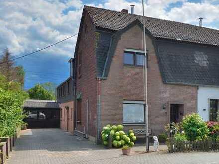 2 - 3 Familiendoppelhaushälfte: ein großes Grundstück, viel Wohnfläche und diverse Optionen