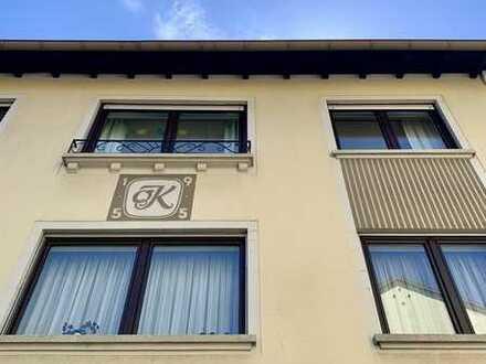 Modernisierte 3-Zimmer-Wohnung mit Balkon und 2 Carport-Stellplätzen