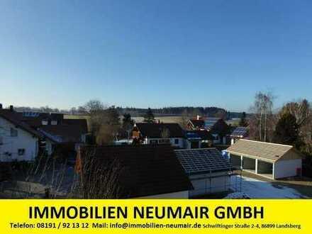 geräumige Dachgeschosswohnung mit Blick über das Land