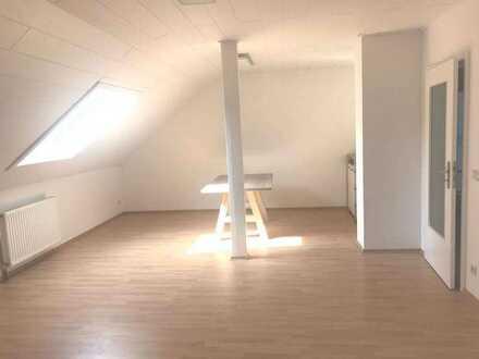 Helle 3 Zimmerwohnung mit Balkon und Keller