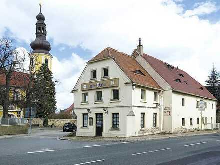 "ehemaliger Gasthof ""Alter Fritz®"" mit Nebengebäude"