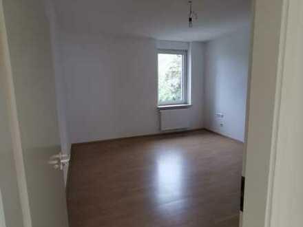 Schöne nach der Sanierung Wohnung in zentraler Lage in Altenbochum, Erstbezug nach Sanierung!