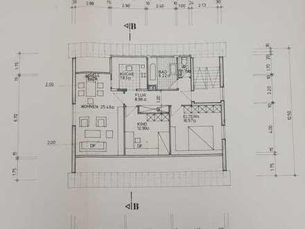 Helle, freundliche, modernisierte & gut geschnittene 3-ZKB DG-Wohnung