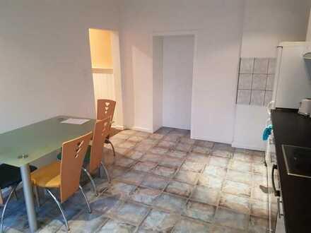 Großes helles Zimmer mit viel Platz nahe Uni (Miete inklusive Nebenkosten, Strom und High Speed Inte