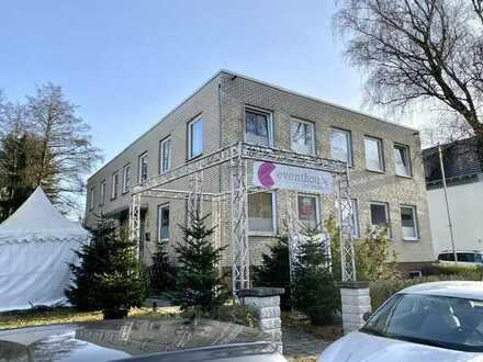Bürogebäude mit Nebengebäude in Langenhagen