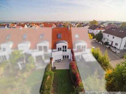 Schickes Reihenhaus in Top-Lage mit 2 Garagen und Innenkamin, uvm...