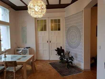 halle Wohnung zentrall gelegen - auch für 2. WG geeignet