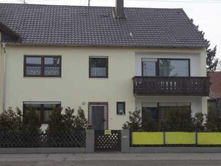 Mehrgenerationenhaus mit acht Zimmern in Königsbrunn
