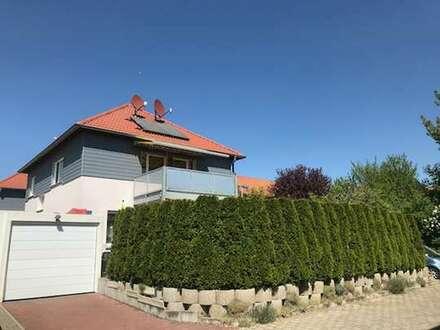 Freistehendes Einfamilienhaus mit tollem Garten