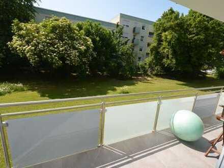 Komplett sanierte 3-Zimmer-Wohnung mit 2 Balkonen und Einbauküche in Regensburg Steinweg