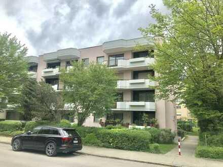 Augsburg Göggingen, 3 ZKB, 95qm, 2 Balkone, renoviert, 2.OG