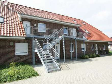 Bezugsfreie 3 ZKB Dachgeschosswohnung mit EBK und separatem Eingang in Barßel!