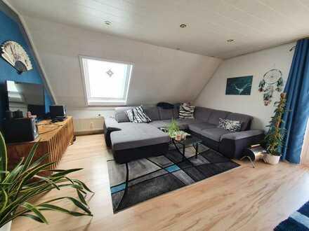 3-Zimmer-Dachgeschosswohnung mit 2 Balkonen und großem Wohnzimmer in Leonberg