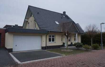 LEHRTE: Freistehendes Komfort-Einfamilienhaus mit Studiozimmer und gr. Do-Garage