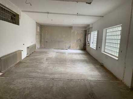 120 m² Laden+ 130 m² Lager+ 5 Stellplätze