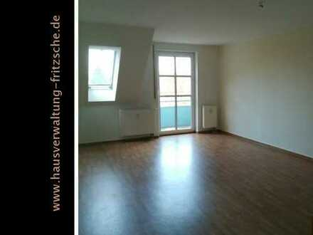 *** großzügig geschnittene 2-Raumwohnung mit Balkon sucht Sie***