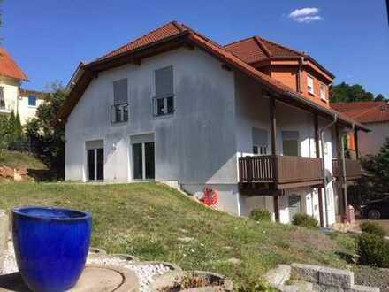 Gepfl. Haus mit EBK, Kaminofen, Garten und Garage in ruhiger Wohnlage