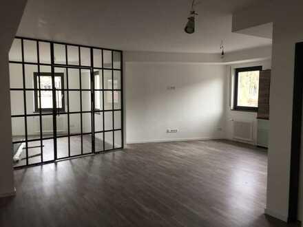 Erstbezug nach Sanierung: Großzügige helle 4Zi.-Loft-Wohnung in Idar-Oberstein