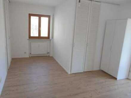 Helle 1-Zimmer-Wohnung im Zentrum mit Balkon und Einbauküche