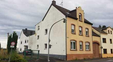 Freistehendes Einfamilienhaus mit separater Einliegerwohnung