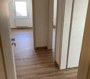 Schöne helle DG-Wohnung neu Renoviert 2 Zi/K/B