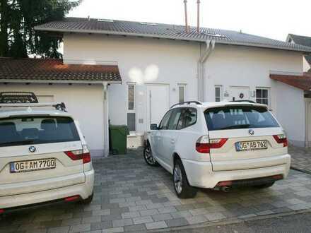 Gepflegte Doppelhaushälfte mit fünf Zimmern und Einbauküche in Lahr/Schwarzwald, Lahr/Schwarzwald