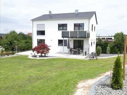 Neuwertige 2-Zimmer-Wohnung mit Balkon in Neuhausen