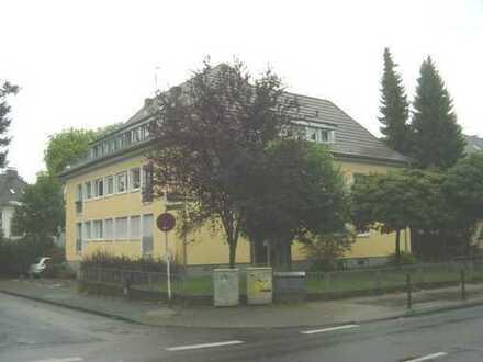 total gemütliche 3 Zimmer-Dachgeschoss Wohnung mit Sonnenbalkon