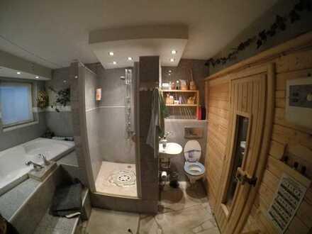 Möbliertes Zimmer in Wellness WG frei! Sauna und Whirlpool im Haus