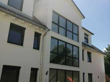 Erstbezug, Neubau: freundliche 3-Zimmer-Wohnung mit Balkon un TG in Bisingen-Steinhofen