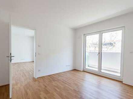 Zentrale und stilvolle 2-Zi-Wohnung mit umlaufenden Balkon! Mit Einbauküche!