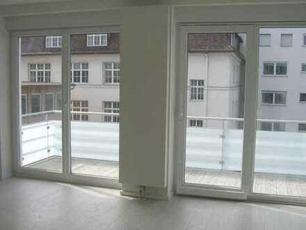 Exklusive 3-Zimmer-Wohnung mit Balkon und EBK in Stuttgart
