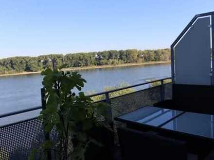 Exklusive 3-Zimmer-Dachgeschosswohnung mit Rheinblick