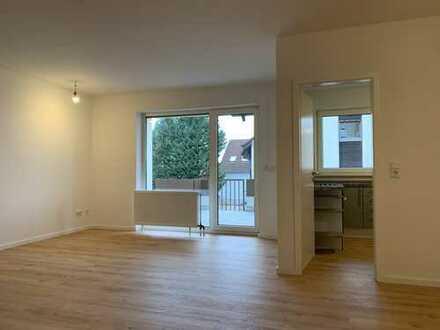 Von privat: Exklusive, helle 3-Zimmer-Wohnung mit SW-Balkon und EBK