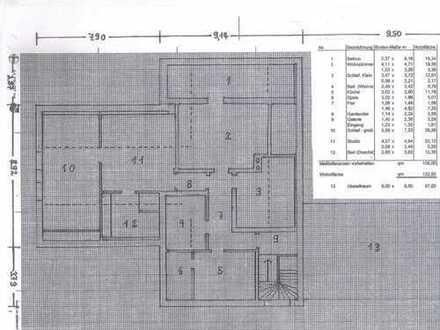 1/2 Haus - Sanierte DG-Wohnung mit vier Zimmern sowie Balkon und EBK in Regensburg