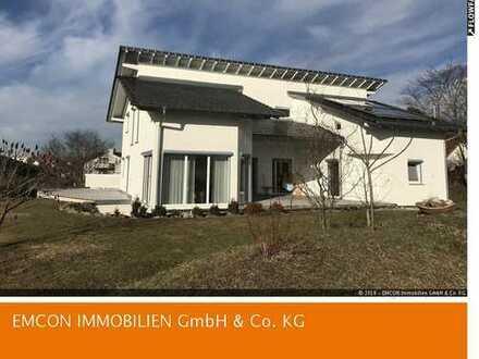 Einmaliges Einfamilienhaus mit unverbaubarem Blick ins Grüne