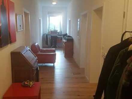 (WG-) Wohnung in zentraler Lage von Mundenheim