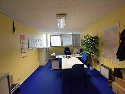 *Provisionsfrei* 3 Büroräume mit Küche, Klimaanlage und großzügiger Lagerfläche