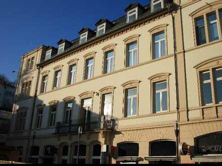 Sehr schöne frisch renovierte Gewerbefläche mit Innenhof in beliebter Innenstadtlage !!
