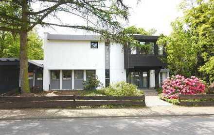 Lünen-Zentrum - Architektenhaus mit 3500 m² parkähnlichen Garten