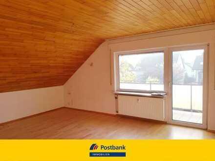 *Schöner Ausblick - 3-Zimmer-Dachgeschosswohnung mit Balkon!*