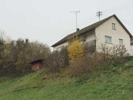 Renovierungsbedürftiges Einfamilienhaus mit unverbaubarem Ausblick in Berglen-Steinach
