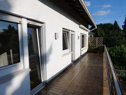 Paulusviertel! Großzügige 4 Zimmer Wohnung mit großem Balkon - komplett renoviert