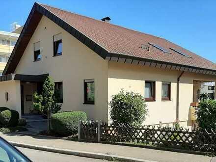 Bezug zum Sommer ! ! Zweifamilienhaus in Böblingen + ++ Einliegerwohnung
