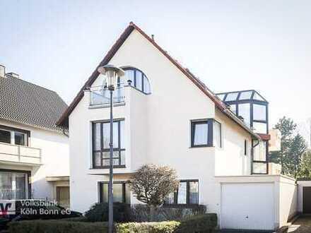 Porz-Zündorf - Maisonettewohnung mit Garten und Garage